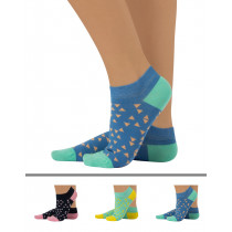 COLOUR SOCKS WITH GEOMETRIC PATTERN